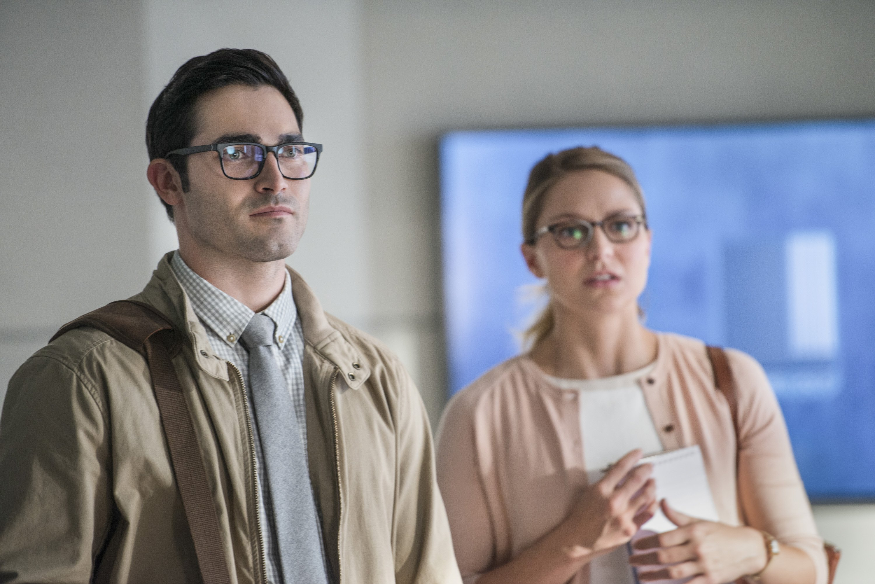 Clark and Kara in the Supergirl Season 2 premiere