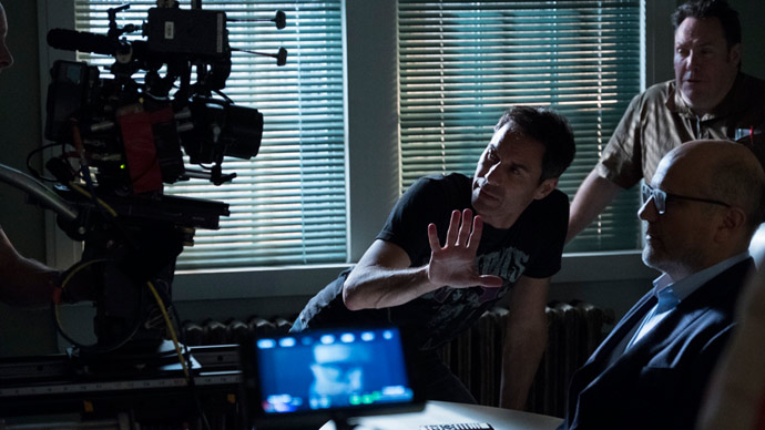 Eric-McCormack-directs-Travelers-season-finale-article